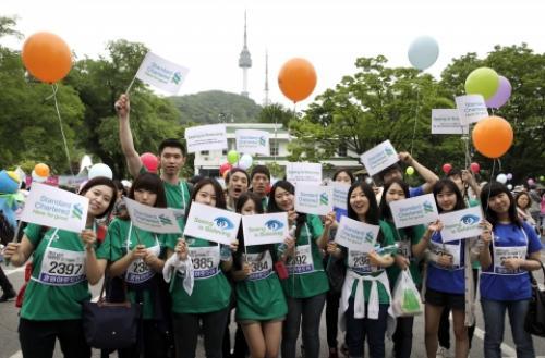 스탠다드차타드금융지주 및 자회사 임직원, '2012 남산 100만인 걷기대회' 참가